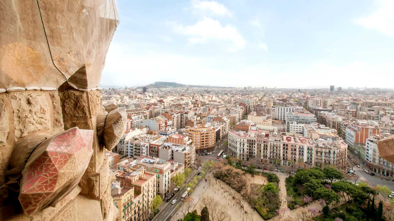 Sagrada Familia-barcelona-view-1500x850-triptourguide