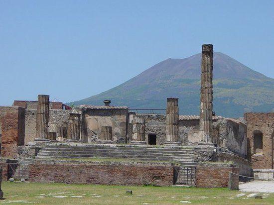 temple of jupiter pompeii